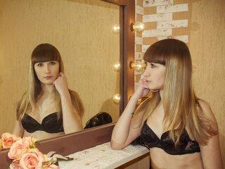 LauraFlirtatious shows video naked